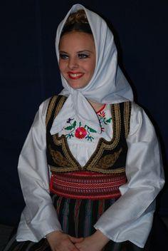 leskovac Srbija Folk Costume, Costumes, Traditional Clothes, Serbian, Girl Face, Folklore, Period, Beautiful People, Portugal