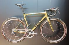 Greg van Avermaets golden BMC Teammachine to celebrate his victory at the road race of the Olympics in Rio  |  Racefietsblog.nl @ Eurobike 2016