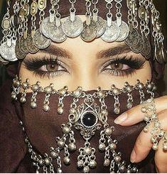 Image about fashion in Girly Things by Leleenka Beautiful Mask, Beautiful Hijab, Gorgeous Eyes, Arabian Makeup, Arabian Eyes, Piercing Girl, Tribal Face, Arabian Women, Face Jewellery