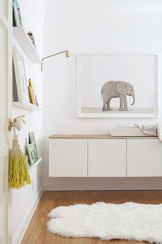 A cute and modern baby room - besta cabinet ikea Nursery Modern, Nursery Neutral, Modern Nurseries, Minimalist Nursery, Calming Nursery, Minimalist Living, Modern Minimalist, Nursery Design, Nursery Decor