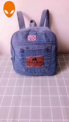Denim Bag Patterns, Diy Bags Patterns, Sewing Patterns, Backpack Tutorial, Backpack Pattern, Mochila Jeans, Jean Backpack, How To Make Jeans, Sewing Jeans