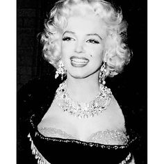★ Marilyn Monroe ♡ Old Hollywood ★ Old Hollywood Glamour, Vintage Hollywood, Hollywood Stars, Most Beautiful Women, Beautiful People, Divas, Marilyn Monroe Photos, Norma Jeane, Vintage Beauty