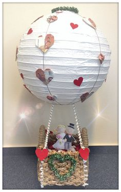 Die Besten Heißluftballon Basteln Hochzeit - Beste Wohnkultur, Bastelideen, Coloring und Frisur-Inspiration Diy And Crafts, Paper Crafts, Diy Desk, Special Gifts, Wedding Gifts, Birthday Cards, Presents, Inspiration, Decor