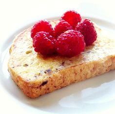 Una receta súper rápida, fácil y nutritiva para iniciar el día: Pan francés con frambuesas
