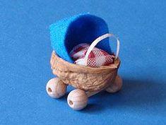 Tinker mini strollers- Mini Kinderwagen basteln Tinker mini strollers - in 2020 Handmade Crafts, Diy And Crafts, Crafts For Kids, Walnut Shell Crafts, Muñeca Diy, Fairy Crafts, Fairy Furniture, Pine Cone Crafts, Miniature Crafts