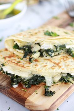 Spinach Artichoke and Brie Crepes with Sweet Honey Sauce - Used most of a brie. This made 5 crepes for me. The honey sauce makes it. Think Food, I Love Food, Good Food, Yummy Food, Tasty, Vegetarian Recipes, Cooking Recipes, Healthy Recipes, Pancake Recipes