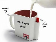Memo Mug. Memo Mug è una tazza di ceramica sulla quale è possibile scrivere ogni volta un messaggio con il pennarello, incluso nel set. Memo Mug è acquistabile qui.