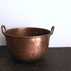 Extra Large Copper Pot - perfect for under the kitchen island (swooon)