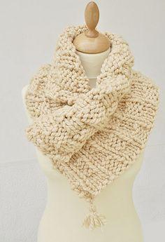 Ravelry: Wavy Rib Knit Neck Warmer pattern by Art L