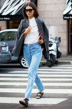 If you're opting for a blazer and jeans ensemble, dress it up a little with a pair of delicate hoop earrings like Diletta Bonaiuti.