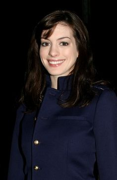 Anne Hathaway Photo - Milan Fashion Week - Day 8