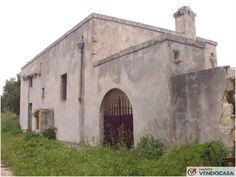 L'agenzia Immobiliare Salento Vendocasa vende antica masseria ad uso ricettivo ad Otranto.