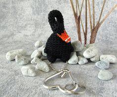 Charm Black Swan bird keyring pendant with snap hook small Black Swan Bird, Baby Swan, Pet Accessories, Crochet Earrings, Miniatures, Charmed, Dolls, Pendant, Creative