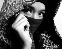 batik I black I white I hijab I women I eyes