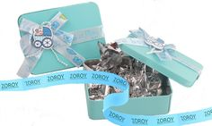 A cool blue coloured tin box done up with laces and ribbons in Blue colour. Contains 6 assorted chocolates. Assortment contains varieties in milk, dark, butterscotch, krispes, nuts and orange chocolate. Birthday Chocolates, Chocolate Orange, Tin Boxes, Blue, Gifts, Space, Shop, Floor Space, Presents