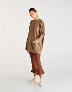 Pull&Bear - woman - clothing - sale favourites - oversized sweatshirt with side vents - 0-748 - 09593311-I2017