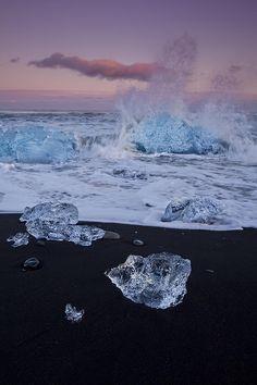 Trail of Diamonds - Sunset at Jökulsárlón Beach - Iceland