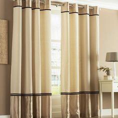 cortinas lisas bicolor en barra de acero la parte superior e inferior es de