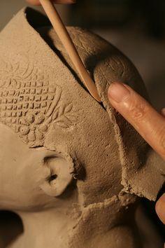 L'atelier - Annie D'Oréfice Céramiste d'Art – Oingt (Rhône – 69) – Sculptures – tableaux – bas-reliefs – pièces décoratives