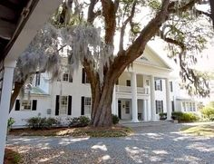 Ideal old style two story dream home! !