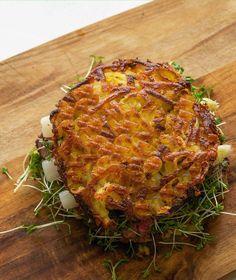 stuttgartcooking: Rösti-Burger mit Spargel, Kresse, Rinderfilet und süß-saurer Hagebutten-Sauce