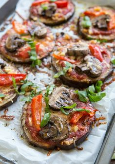 A healthy pizza vegetable pizza recipes, eggplant pizza recipes, eggplant. Eggplant Pizza Recipes, Vegetable Pizza Recipes, Eggplant Pizzas, Vegetable Dishes, Vegetarian Cooking, Vegetarian Recipes, Cooking Recipes, Healthy Recipes, Alkaline Recipes