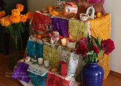 How to set up a Day of the Dead altar. Como hacer un altar para el Día de los Muertos