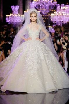Elie Saab Couture Fall/Winter 2014 - 2015 Collection.  Bride dress ❤