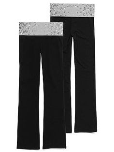 Cute to the core, with a classic full-length fit. The Bling Bootcut Yoga Pant from Victoria's Secret PINK is perfect for working out, and wearing out. Extra-comfy and glam with a foldover waist plus bling embellishment, to wear, pair and love.