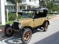1926 Ford Model T Touring Car - (Ford Motor Company, Dearborn, Michigan 1903-present)
