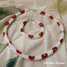 Va prezint setul meu preferat pentru vara, compus din colier si bratara, realizat prin tehnica crosetarii cu margele, din margele de ni... Crochet Necklace, Handmade, Jewelry, Hand Made, Jewlery, Jewerly, Schmuck, Jewels, Jewelery