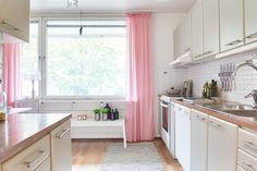 #homestyling #styling #kitchen #kök  3:a med stor balkong på Infanterigatan | Move2