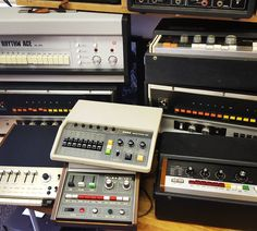 We are very strong on vintage beat boxes right now. This is most of the ones that are available on the site right now. See them all at soundgas.com - From top right clockwise: Ace Tone FR-1 (the JJ Cale box) Ace Tone FR-3 Maestro MRK-1 (Sly Stone!) Roland TR-55 Korg KR-55 Teisco Rhythmer R-3A Univox (Keio) Mini Pops MP-7 Maestro MRK-2.