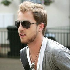 James Morrison was born today in 1984