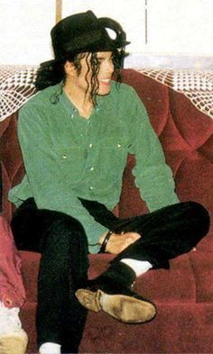 I'm going on a Michael wearing green picture spree BECAUSE HE LOOKS SO GOOD IN GREEN