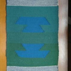 Tapete 40x60cm em tear manual no Elo7 | Arte para você e sua casa (AF3F71) Tear, Tapestries, Drink Sleeves, Pot Holders, Colorful Pillows, Carpet, Block Prints, Colors, Home