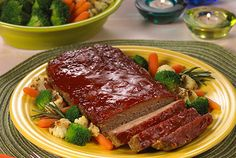 Joyce, a DaVita dietitian from Michigan, shares her nutrition expertise and an all-time, all-American favorite recipe for her kidney-friendly All American Meatloaf., my mom loved it Davita Recipes, Kidney Recipes, Diabetic Recipes, Cooking Recipes, Diet Recipes, Kidney Foods, Healthy Recipes, Diet Meals, Dialysis Diet