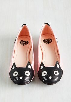 Up Your Alley Cat Flat in Pink Dots. If youd describe your style as slightly zany, decently adorable, and super-duper fun, then weve got mews for you. #pink #modcloth
