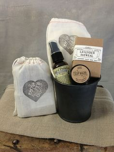 A wonderful sampling of what makes our store smell so good! An Atomic Garden Goat Milk soap ( scent assorted), Manuka Honey & beeswax lip balm and a travel size Cloud of Protection by Nieves. All wrapped up in a muslin bag..