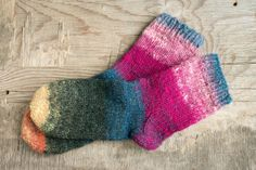 Make a perfect gift for yourself or somebody special. They are made of wool. Short Socks, Winter Fashion, Buy And Sell, Knitting, Brown, How To Make, Gifts, Handmade, Stuff To Buy