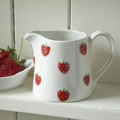 Ceramic Strawberry Jug - Small Already have some of this Strawberry fields set, love it Ceramic Pottery, Pottery Art, Ceramic Art, Decoration Design, Deco Design, Deco Cool, Strawberry Kitchen, Strawberry Patch, Strawberry Fields