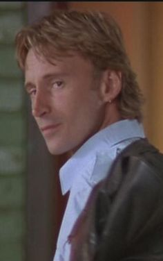 Robert Carlyle...The Full Monty...makin' mullets sexy back in '97