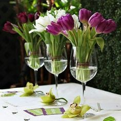 Large wine glasses center piece