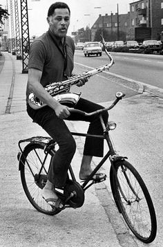 "collectivesighs: "" Dexter Gordon on bike. Photo per pejstrup. Pictures. DK. source: https://www.facebook.com/jkongsoe, https://www.facebook.com/groups/OldCopenhagen/ via https://www.facebook.com/groups/241843442576670/?hc_ref=NEWSFEED """