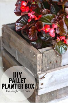 DIY Pallet Planter Box | 12 Creative DIY Pallet Planter Ideas for Spring | Beautiful Pallet Gardening Crafts, check it out at http://diyready.com/pallet-projects-gardening-supplies/