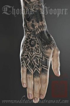 Meditations in Atrament - Tattooing, Ephemera, and Fine Art by Thomas Hooper Hand And Finger Tattoos, Hand Tats, Manos Tattoo, Thomas Hooper, Tattoo Skin, Lady Fingers, Badass Tattoos, Ancient Jewelry, Skin Art