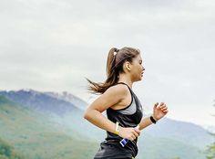 Práticos, esses sucos para tomar antes e depois do treino garantem energia para o exercício e aceleram sua recuperação muscular