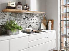Individuell geplant... ... so schön kann Küche sein! Weiße Lackfronten, grifflos geplant in Kombination mit hellem Holz und Keramikarbeitsplatten. Diese Küche kommt ganz ohne Hängeschränke aus, dadurch kommt die Dunstabzugshaube aus satiniertem Glas schön zur Geltung. Wir planen auch Ihre Küche: 04165-222707
