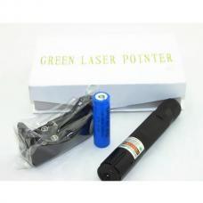 """http://www.laserskopen.com/groene-laser-pointer/p-1085.html http://www.laserskopen.com/groene-laser-pointer/p-1092.html Deze laserpen 100mw groene is klein en prachtige , draagbare en met rijkere applicaties. De laser pointer kan worden omgevormd tot een """"disco laser pointer """" met ster cap"""