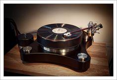 Raven AC/Reed 3p/Allnic Puritas turntable. #recordplayer #turntable #records #vinyl #audio #vintageaudio #music http://www.pinterest.com/TheHitman14/the-record-player-%2B/